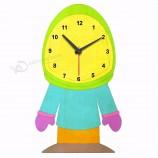 教育玩具ギフト宇宙飛行士の形の木のdiy 3d壁掛け時計の卸売