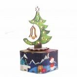 サンタクロースはクリスマス木製の創造的なオルゴールを来ています