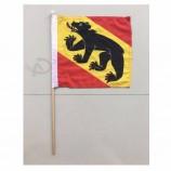 装飾広告の使用のための良質の100%のポリエステル注文の手持ち型の旗