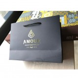 豪華な黒のマットゴールデンロゴ印刷されたショッピングペーパーバッグ、衣類包装用ロープハンドル