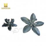 装飾用の装飾用鍛造錬鉄の葉と花